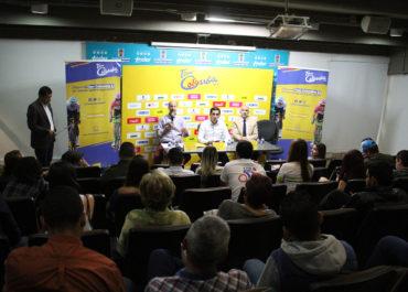 Entrega de acreditaciones prensa Tour Colombia 2.1